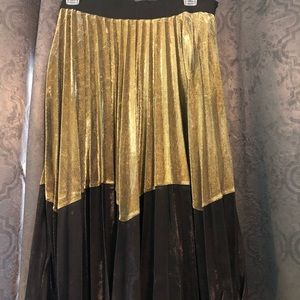 Black and gold midi skirt